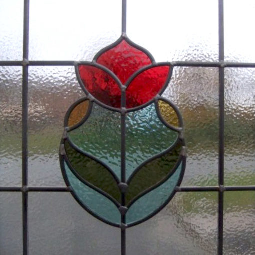 SG162 - 1930s Rose Bud Stained Glass Design - Rose close up